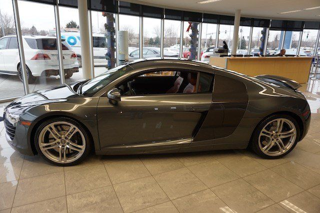 2009 Audi R8 (Gray/Brown)