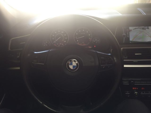 2010 BMW 5-Series (Metallic Black/Black)