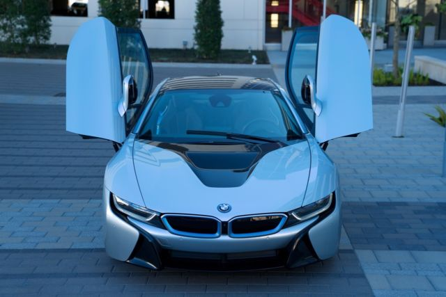 2014 BMW i8 (Silver/TERA EXCLUSIVE DALBERGIA BROWN)