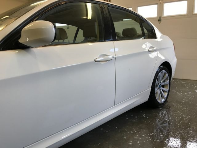 2011 BMW 3-Series (White/Tan)