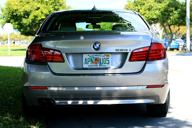 2012 BMW 5-Series (Tan/Tan)