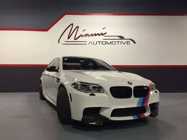 2015 BMW M5 (White/Red)