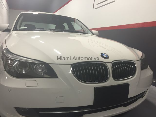 2010 BMW 5-Series (White/--)