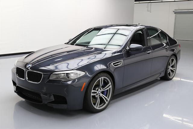 2013 BMW M5 (Gray/Black)