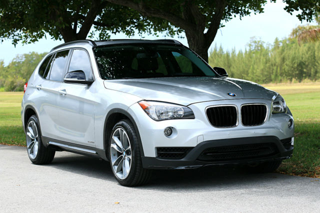 2015 BMW X1 (Gray/Black)