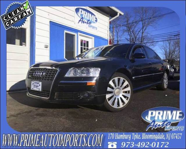 2007 Audi A8 (Black/Brown)