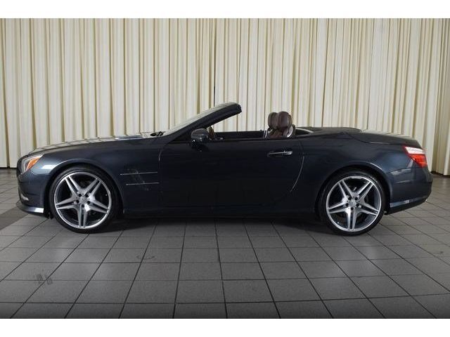 2013 Mercedes-Benz SL-Class (GUN METAL FLAKE GREY/BROWN)
