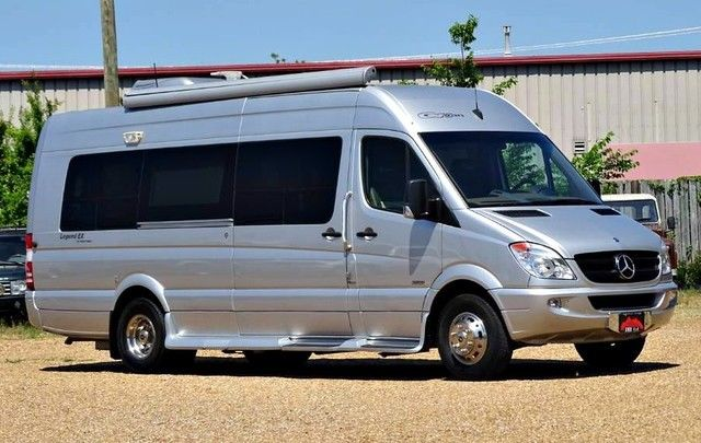 2013 Mercedes-Benz Sprinter (Black/Brown)