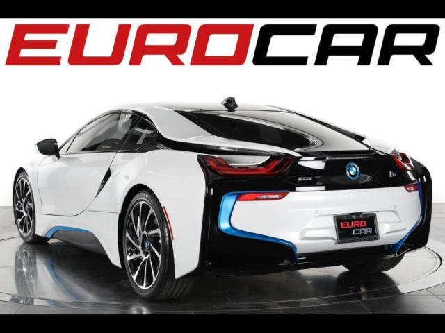 2015 BMW i8 (White/Gray)