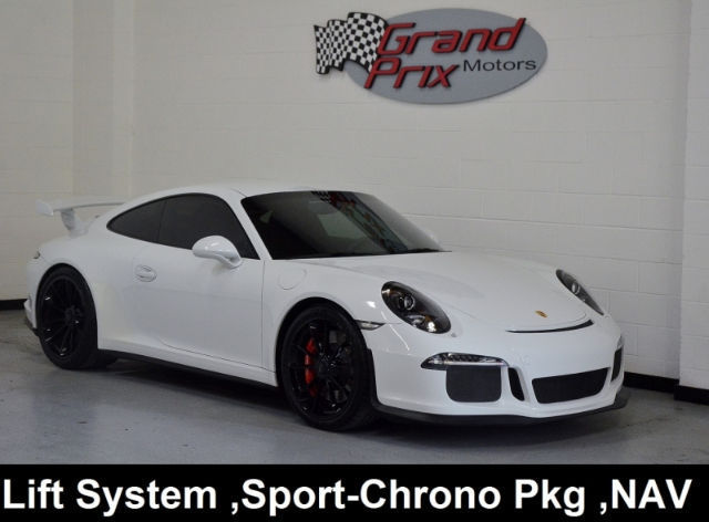 2015 Porsche 911 (White/Black w/Leather/Alcantara Seat Trim)