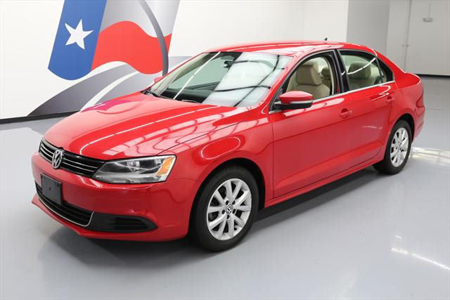 2013 Volkswagen Jetta (Red/Tan)