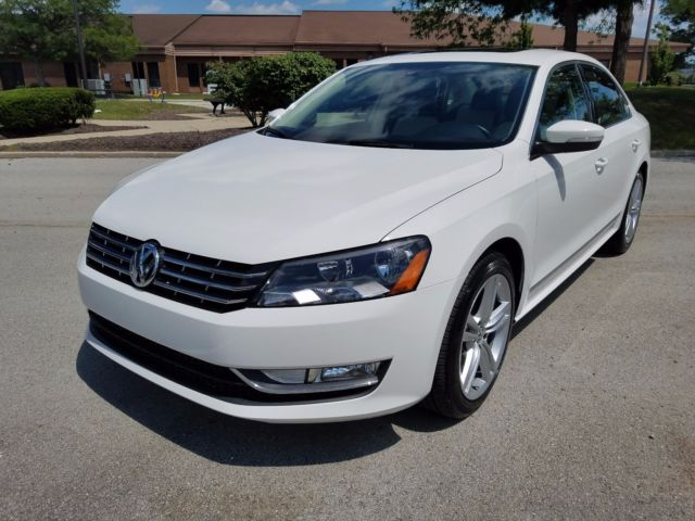 2015 Volkswagen Passat (White/Tan/Black)