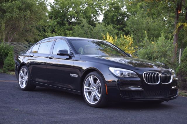 2014 BMW 7-Series (Black/Tan)