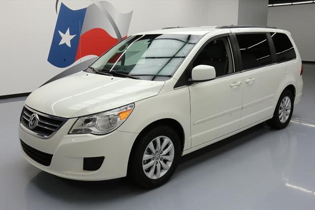2012 Volkswagen Routan (White/Gray)