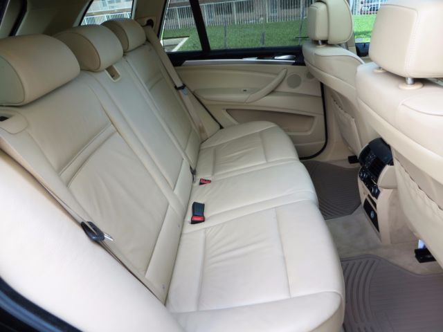 2008 BMW X5 (Black Metallic/TAN LEATHER)