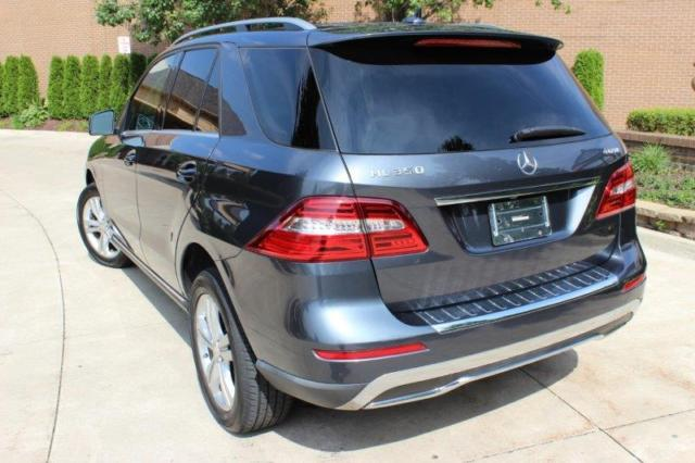 2012 Mercedes-Benz M-Class (GRAY METALLIC/BLACK LEATHER)