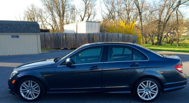 2009 Mercedes-Benz 300-Series (Gray/Black)