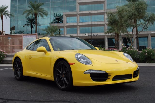 2014 Porsche 911 (Yellow/Black)