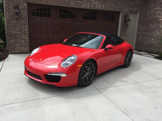 2013 Porsche 911 (Guards Red/Black)