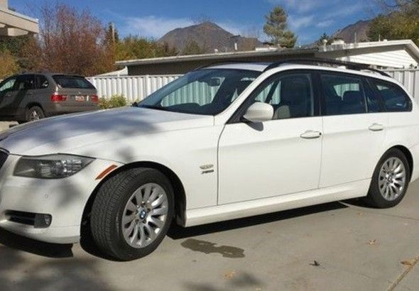 2009 BMW 3-Series (White/Beige)