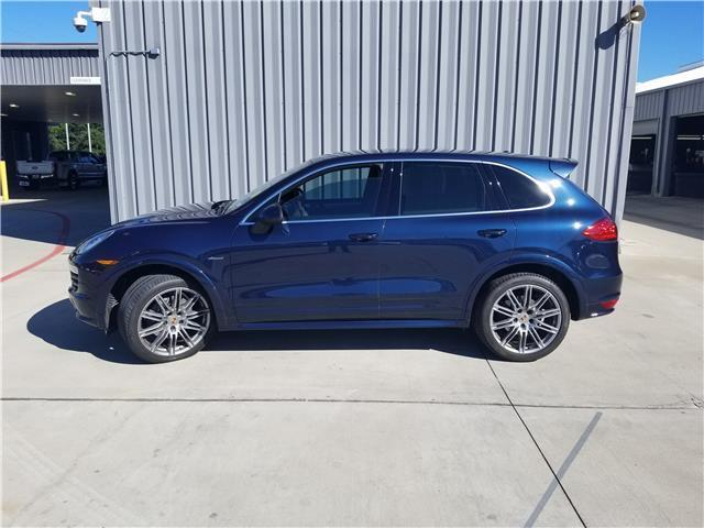 2014 Porsche Cayenne (Blue/Brown)