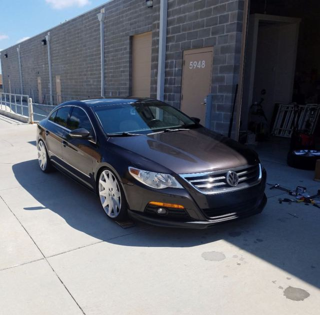 2009 Volkswagen CC (White/Black)