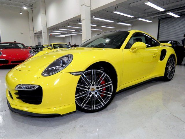 2015 Porsche 911 (Yellow/Black)