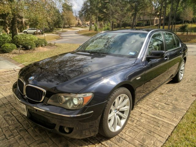 2007 BMW 7-Series (Blue/Cream)