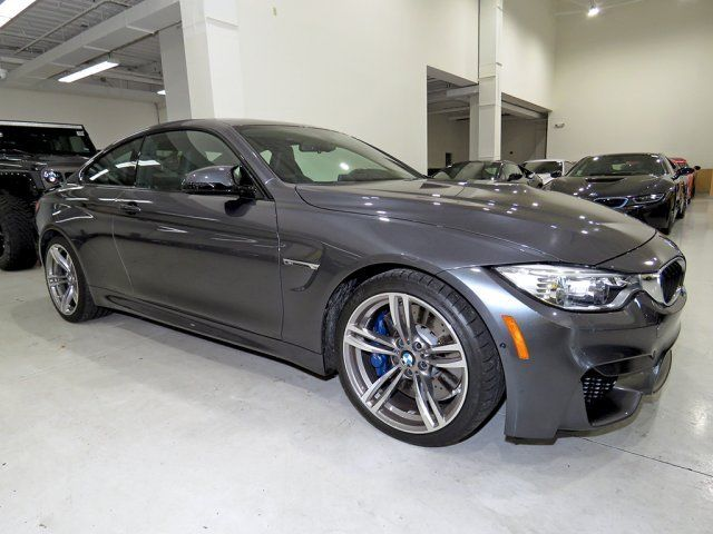 2015 BMW M4 (Gray/Black)