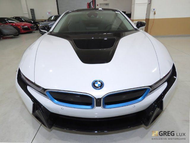 2016 BMW i8 (Blue/Giga Amido w/Full Perforated Leather Upholstery)