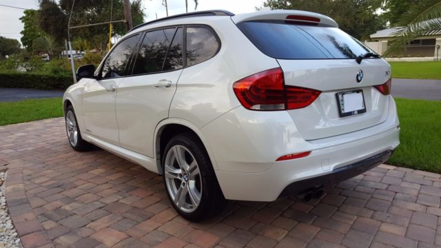 2013 BMW X1 (White/Black)