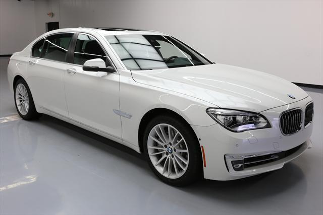 2015 BMW 7-Series (White/Black)