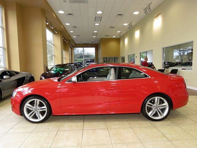 2009 Audi S5 (Red/--)