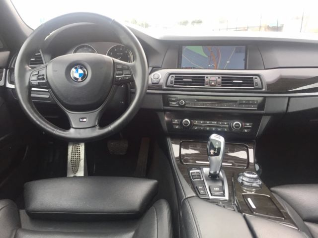 2012 BMW 5-Series (Blue/Black)