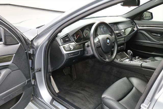 2013 BMW 5-Series (Gray/Black)
