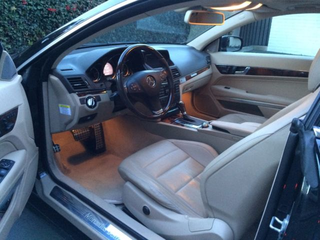 2010 Mercedes-Benz 500-Series (Black/Tan)