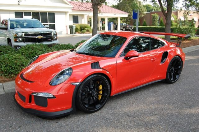 2016 Porsche 911 (Lava Red/Black)
