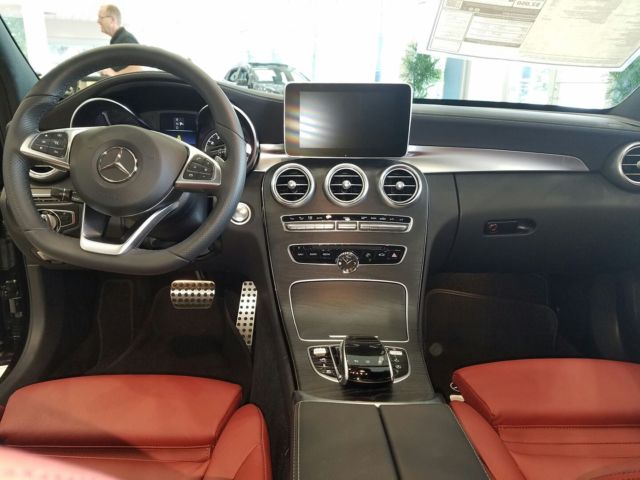 2016 Mercedes-Benz C-Class (Black/Red)