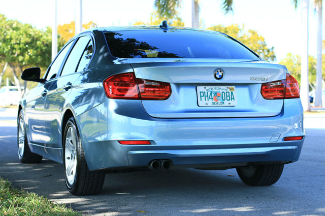 2013 BMW 3-Series (Blue/Black)