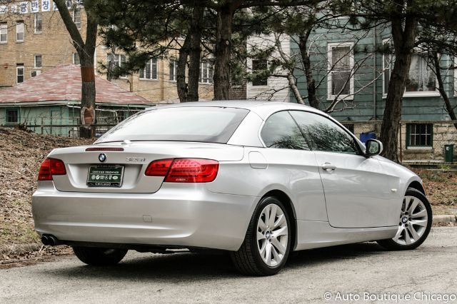 2011 BMW 3-Series (Gray/Black)