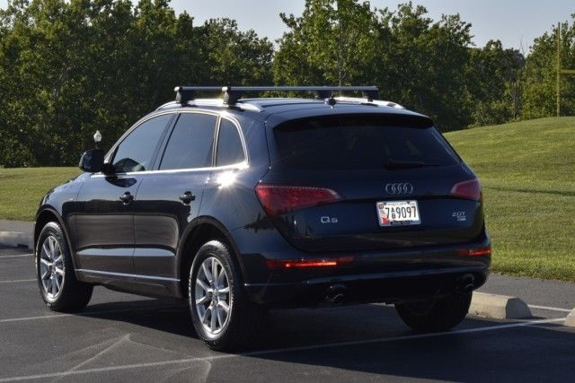 2011 Audi Q5 (Blue/Brown)