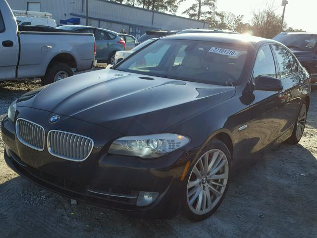 2011 BMW 5-Series (Black/White)