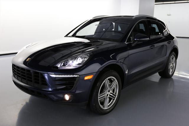 2015 Porsche Macan (Blue/Black)