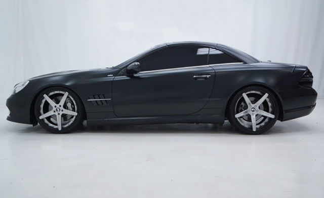 2011 Mercedes-Benz SL-Class (Magno Night Black (Matte Finish))/Black)