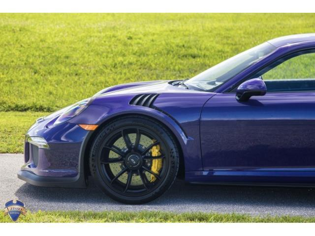 2016 Porsche 911 (Purple/Black)