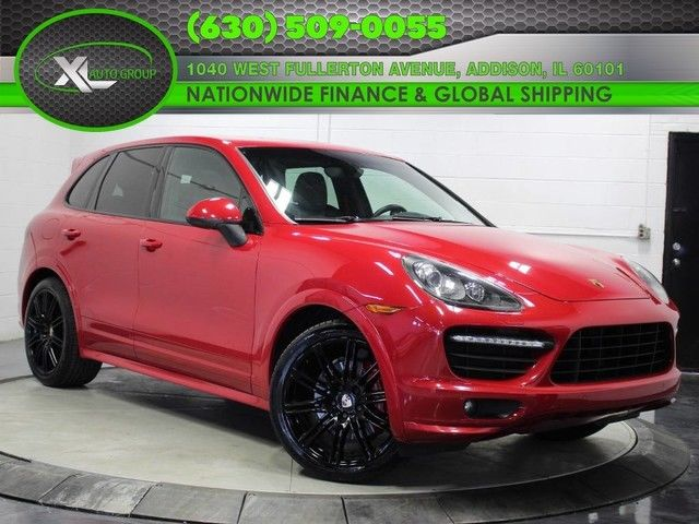 2013 Porsche Cayenne (Red/Black)