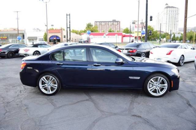 2014 BMW 7-Series (Blue/Beige)