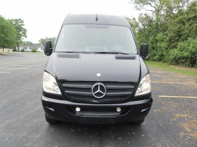 2012 Mercedes-Benz Sprinter (Black/Gray)