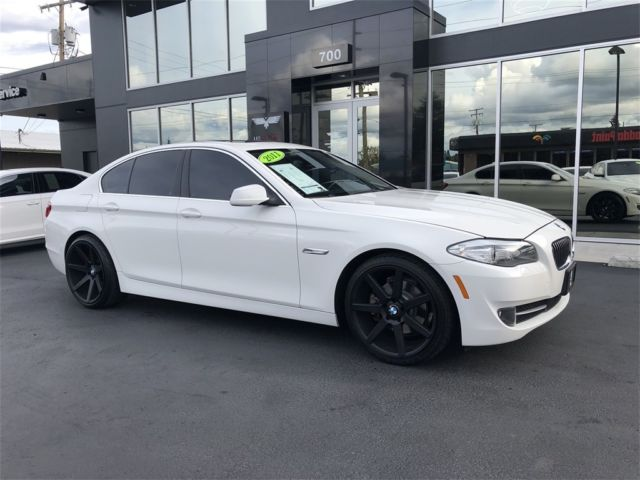 2011 BMW 5-Series (Alpine White/Oyster and Black Dakota Leather)