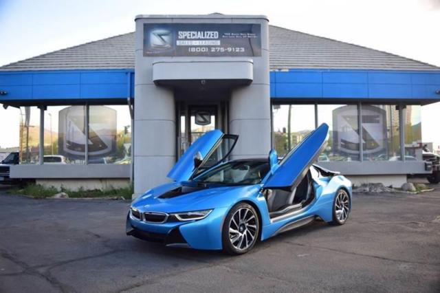 2015 BMW i8 (Blue/Beige)